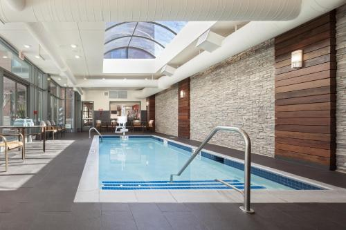 The swimming pool at or near Courtyard by Marriott Boston Brookline