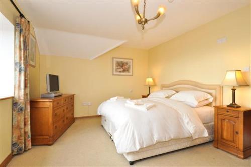 Un ou plusieurs lits dans un hébergement de l'établissement Claremount House B&B