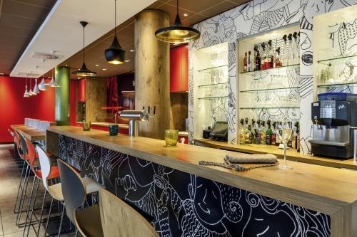 Salone o bar di Hotel Ibis Milano Ca' Granda