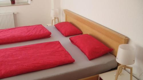Ein Bett oder Betten in einem Zimmer der Unterkunft Schwarzwalddomizil am Glottertal
