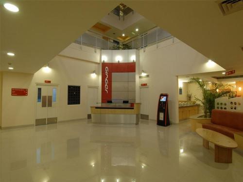 The lobby or reception area at Ginger Hotel Manesar