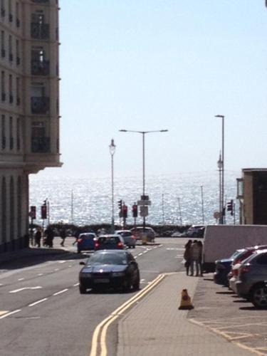 Cannon Spa Central Brighton Beach Apartments