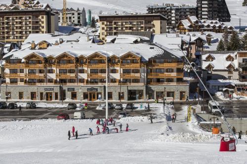 CGH Résidences & Spas Le Napoléon during the winter
