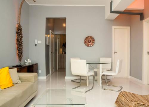 A seating area at Leblon Dream Apartment