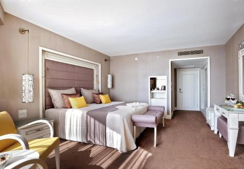 Cama o camas de una habitación en Suhan360 Hotel & Spa
