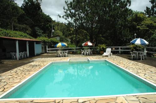 A piscina localizada em Pousada Serras Verdes ou nos arredores