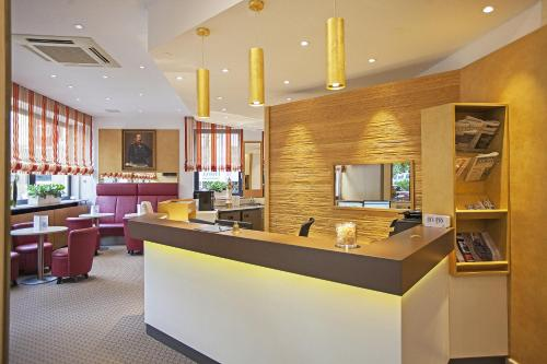 The lobby or reception area at Am Bismarck