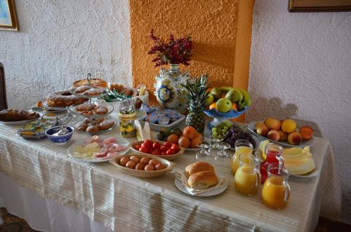 Breakfast options available to guests at Costa Azzurra