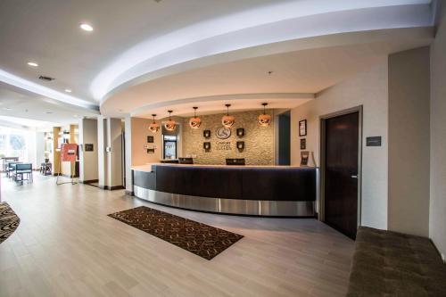 The lobby or reception area at Comfort Suites Fort Lauderdale Airport South & Cruise Port