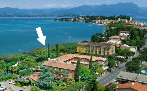 Letecký snímek ubytování Hotel La Paül