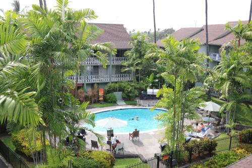 A view of the pool at Kona Islander Inn Hotel or nearby