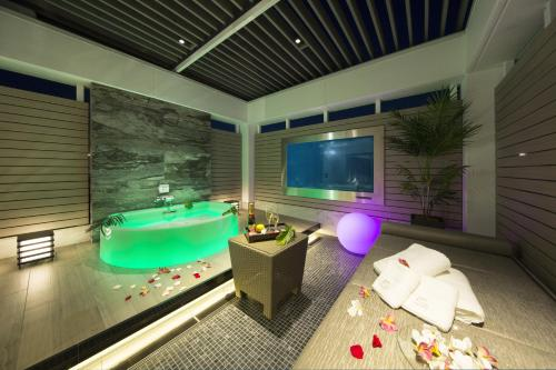 Spa and/or other wellness facilities at Hotel In The Green (Adult Only)