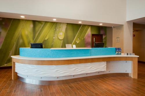 The lobby or reception area at SpringHill Suites by Marriott Orlando Lake Buena Vista South
