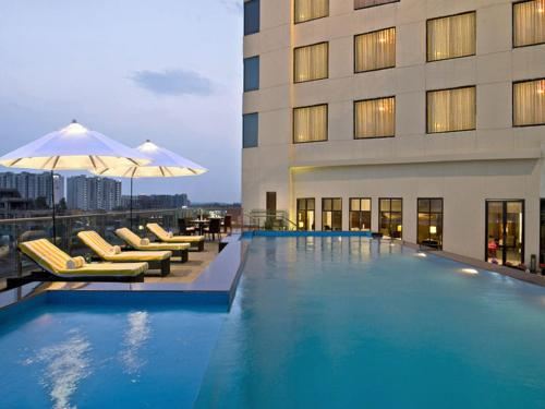 The swimming pool at or close to Park Plaza Chandigarh Zirakpur