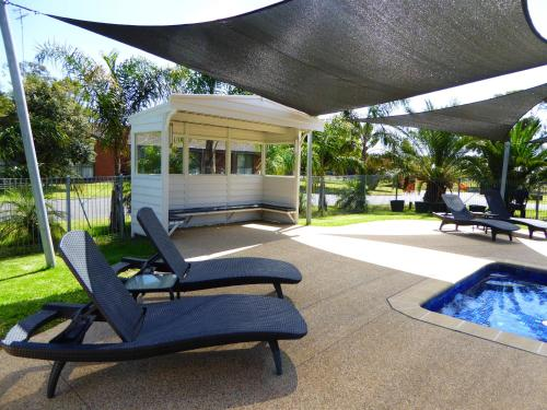 The swimming pool at or near Barwon Valley Lodge