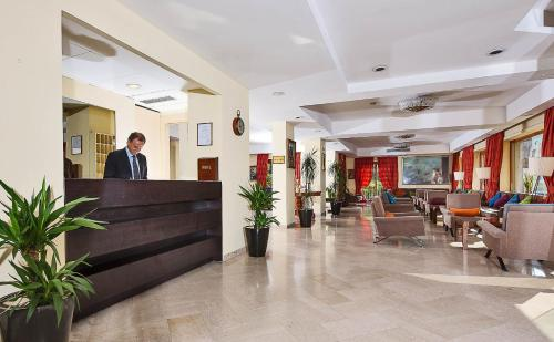 The lobby or reception area at Hotel Tirrenia