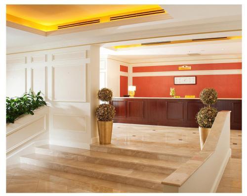 Лобби или стойка регистрации в Отель Баташев
