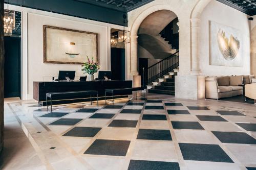 Lobbyn eller receptionsområdet på Sant Francesc Hotel Singular