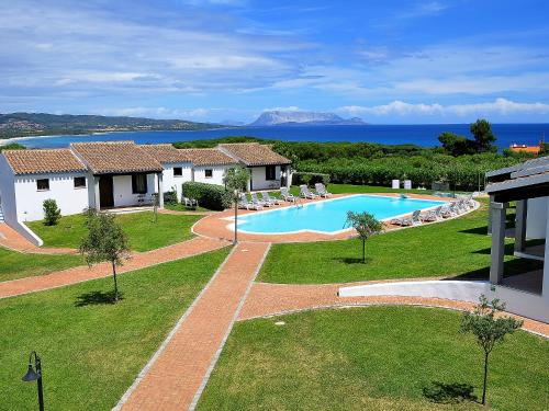 The swimming pool at or near Sa Prata Hotel & Resort