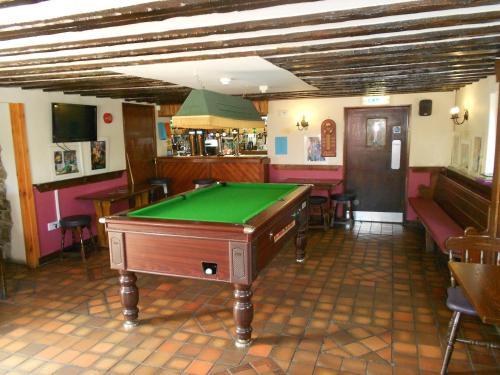 A pool table at The Glan Yr Afon Inn