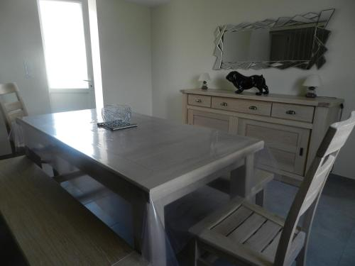 A kitchen or kitchenette at Gîte Utah