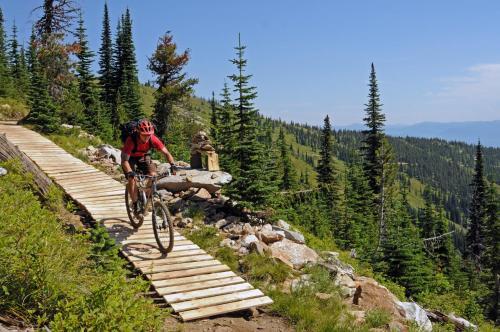 Biking at or in the surroundings of Schweitzer Mountain Resort Selkirk Lodge