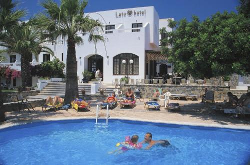 Бассейн в Lato hotel или поблизости