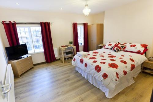 Emporium Self Catering Apartments by Victoria Centre Shopping Centre - Ideal for Contractors & Essential Workers, own Kitchen - City Centre