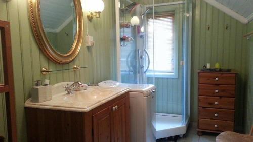 A bathroom at Villa Nyborg