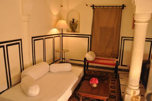 A seating area at Hotel Chobdar Haveli