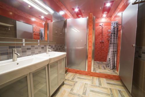 Ванная комната в Crazy Dog