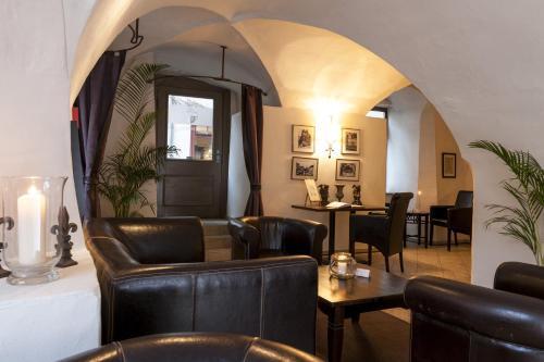 A seating area at Wyndham Garden Quedlinburg Stadtschloss