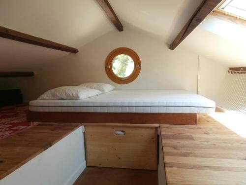 A bed or beds in a room at Cabanon Calanque Marseille