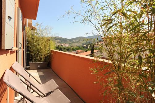 A balcony or terrace at Le 15-Appartments Collioure