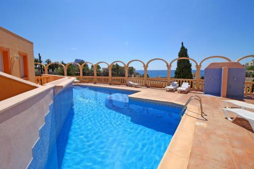 Het zwembad bij of vlak bij Bungalows Canuta Baja