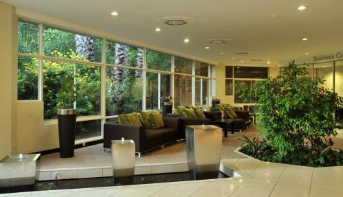 The lobby or reception area at Cresta Lodge Gaborone
