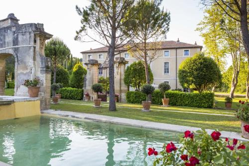 The swimming pool at or near Chateau Talaud