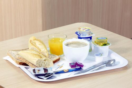 Breakfast options available to guests at Premiere Classe Beziers