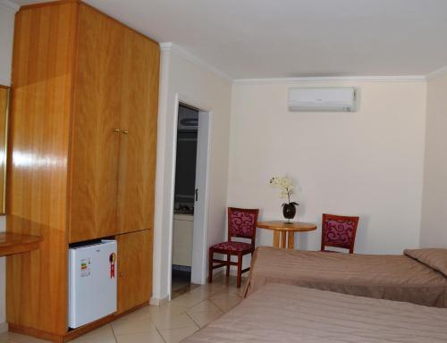 Uma área de estar em Hotel São Luiz
