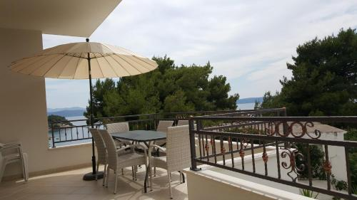 A balcony or terrace at Apartments Talija
