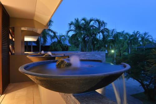 A bathroom at Tugela - Luxury Holiday Home