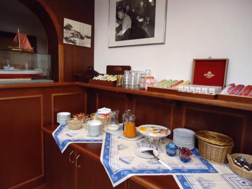 Ein Restaurant oder anderes Speiselokal in der Unterkunft Claes Compaen