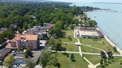 A bird's-eye view of Hotel La Riva