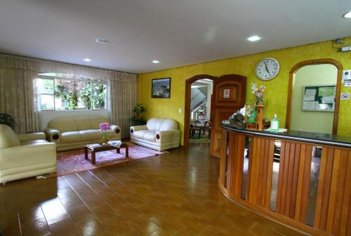 The lobby or reception area at Hotel Santa Clara