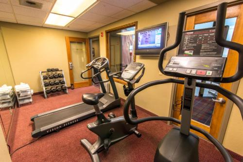 The fitness center and/or fitness facilities at Grand Vista Hotel Grand Junction