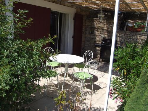 A porch or other outdoor area at Le Mas de Bel Air