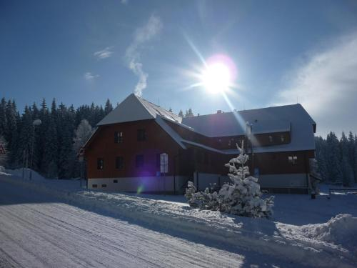 Hotel Madr during the winter
