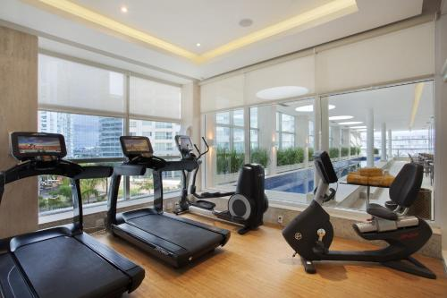 The fitness center and/or fitness facilities at Windsor Brasília Hotel