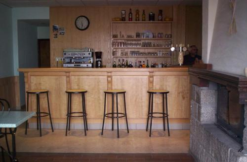 The lounge or bar area at Le Vermondois