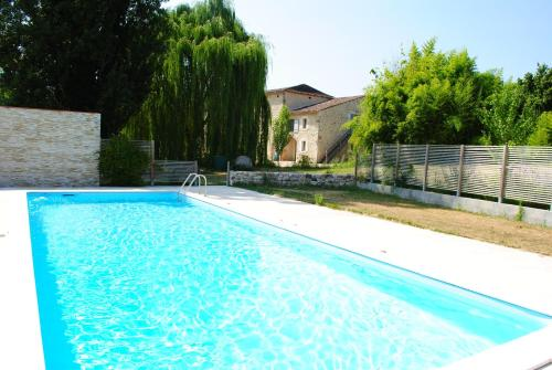 The swimming pool at or near Les Foucauds